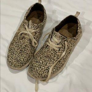 Toms Leopard Carrillo Sneakers W7.5